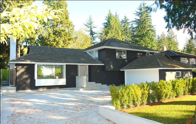 PETER CARDEW 1175 Sutton Place, West Vancouver 12
