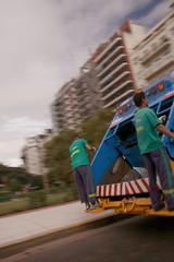 Trabajo de riesgo (carlos_ar2000) Tags: street argentina danger truck trabajo calle buenosaires risk camion peligro montserrat job congreso dustman riesgo basurero carlosredondo credondo carlosalbertoredondo carlosaredondo