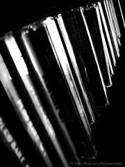 Los discos de Mick Jagger (Felipe Smides) Tags: chile blackandwhite music art blancoynegro photoshop arte cd father s musica papa manolo discos padre felipe mickjagger artisticexpression instantfave mywinners abigfave aplusphoto discoscompactos beatifulcapture artlegacy artinbw smides fotografiasmides funfanphotos felipesmides manuelescobar