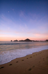 Dawn's Early Light (WisDoc) Tags: ocean vacation beach canon mexico dawn cabo bravo footprints serenity cabosanlucas wisdoc megashot natureandnothingelse