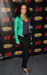 Alicia Keyes in Akademiks skinnies