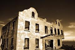 Alcatraz (navid j) Tags: sf sanfrancisco california texture abandoned baybridge alcatraz wardenshouse