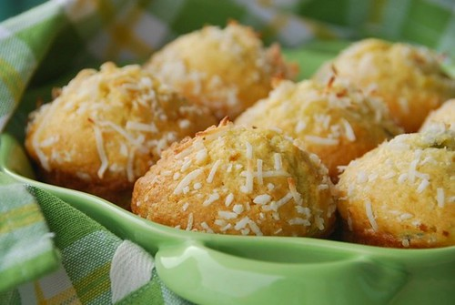 kiwi muffins dish