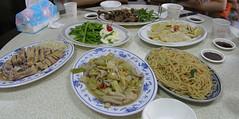 01.滿桌的菜
