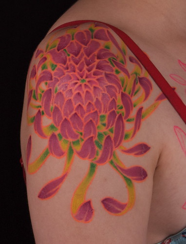 chrysanthemum flower tattoo. Chrysanthemum on Kurstin