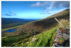 Connor Pass (Janek Kloss) Tags: ireland mountain mountains way landscape photos lakes pass scenic dingle dramatic kingdom tourist irland eire kerry fotka summit fotografia peninsula narrow conor breathtaking attraction zdjecia irlanda highest ierland j23  zdjecie fotki irlandia   hwdp  mywinners abigfave lirlande platinumphoto fotosy    moli516