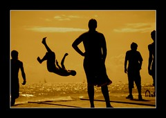 Parkour at Barcelona (rabataller) Tags: barcelona lighting beach boys silhouette sepia composition playa catalonia barceloneta silueta parkour brutal nikond80 aplusphoto rabataller