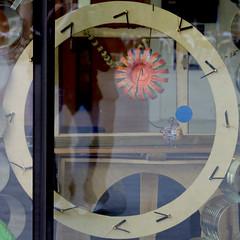 circle with clock movements (Leo Reynolds) Tags: clock canon eos iso400 squaredcircle f56 65mm 0ev 40d hpexif 0017sec clockdetail sqrandom xsquarex sqset031 xleol30x xratio1x1x xxx2008xxx