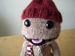 Sorta Sackboy (ilikelemons) Tags: red white hat scarf knitting sony yarn zipper mediamolecule littlebigplanet sackboy