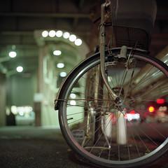 bicycle (F_blue) Tags: tokyo kodak hasselblad roppongi  500cm portra160nc planart c8028 fblue2008