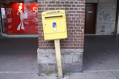 FRENCH POST BOX (Bovine Spongiform Encephalopathy) Tags: france ferry fishing harbour normandie dieppe normandy wargraves fishingport ferryport crosschannel warheros channelferry dieppefrance normantown dieppenormandy canadiandead britishdead