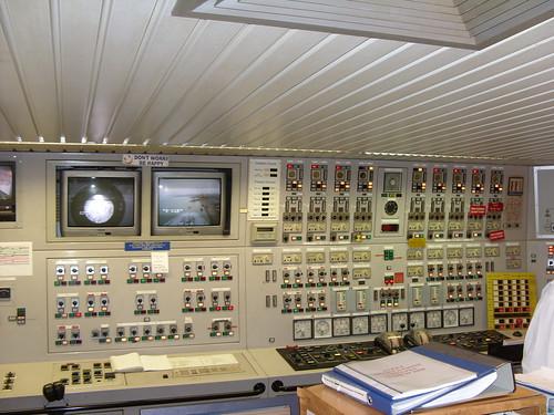 QE2 Engine Control Room 3028122304_9ce728588a