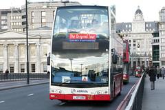 Arriva VLE620 (Arriva OLST) LJ07UDD (Howard_Pulling) Tags: uk bus london buses londonbridge volvo visionaire arriva tourbus opentopbus eastlancs lj07udd arrivaolst vle620 eastlancsvisionaire