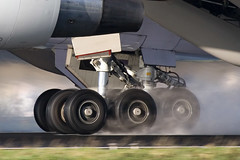 Boeing 747 landing gear (Tim de Groot - AirTeamImages) Tags: wet water amsterdam plane airplane airport aircraft aviation wheels engine gear landinggear boeing chinaairlines schiphol runway boeing747 747 bogie 747400 vliegtuig schipholairport boeing747400 vliegtuigen luchtvaart wetrunway mywinners