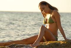 POR_2403 (vaughnscriven) Tags: woman sexy beach sex mujer model december w playa bikini bahamas nassau 2008 chiara milf vaughnscrivenphotography