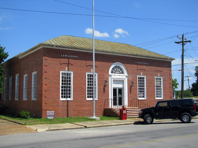 Lewisburg, TN Post Office