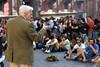 Lezioni in piazza San Domenico (Stefano Spinelli) Tags: napoli lorientale ondaanomala