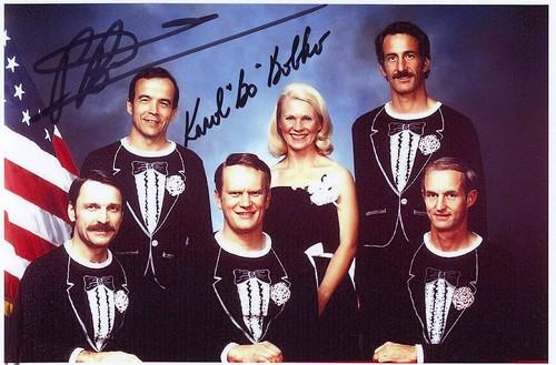 STS-51D / BOBKO WILLIAMS SEDDON GRIGGS HOFFMAN WALKER GARN / DISCOVERY / ORIGINAL CREW