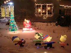 Peanuts gang (kevincrumbs) Tags: snow portland peanuts christmaslights snoopy charliebrown southeastportland sallybrown lucyvanpelt peacocklane linusvanpelt