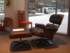 Eames Lounge Chair (TonyRockyHorror) Tags: art museum frank ray gene grand charles gehry rapids lloyd wright eames masselink