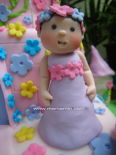 Baby Li-anne figurine