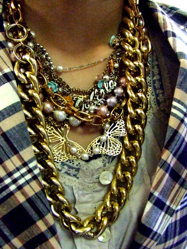 Big gold chain, thrifted;