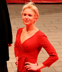 Rene Zellweger @ Berlinale 2009 (SpreePiX - Berlin) Tags: pictures show city party people cinema berlin film festival canon germany stars deutschland kino flickr faces hauptstadt picture menschen event hollywood vip potsdamerplatz fans 2009 deu bilder zellweger rendall berlinale promis flickrphotos roterteppich berlinalepalast prominent 50d claudiallosa christianepaul renezellweger flickrfotos filmfestspiele flickrbilder potsdamerplatzberlin internationalefilmfestspieleberlin dieterkosslick reneberlin charliepeters loganlerman williamdafoe richardloncraine 59berlinale latetaasustada berlinaleberlin loncraine spreepix spreepixmedia spreepixmediaberlin berlinale2009 anon50d berlinalestars markrendall myoneanonly magalysolier susisnchez efrainsolis marinoballn delciheredia berlinalebilder berlinalepictures