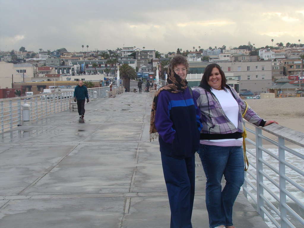Connie and Nora on the Hermosa Beach Pier