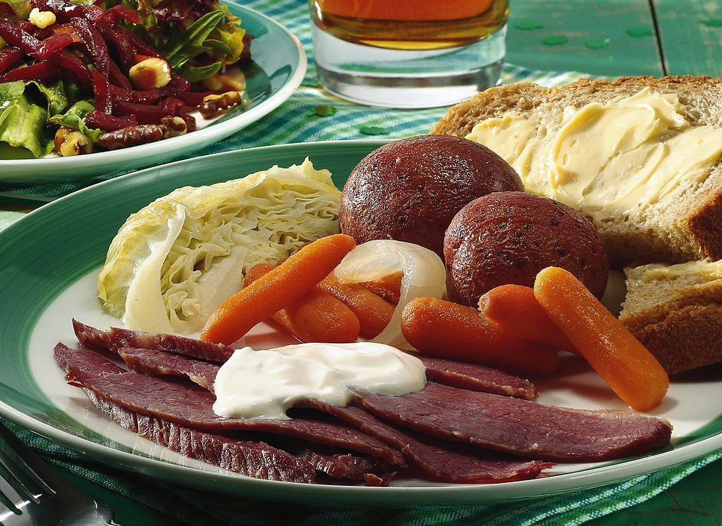 Slow-Cooked Corned Beef and Cabbage Dinner Recipe