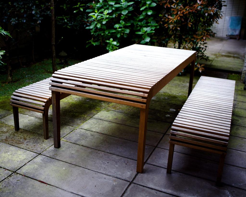 oak table (Sorry, gone!)