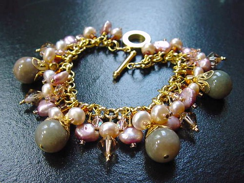 #CRCH22 =Crystals & Pearls Bracelet SGD$50 (2)