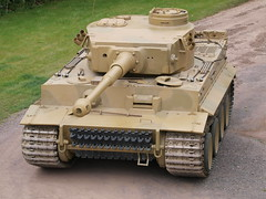 Tiger 131 (Megashorts) Tags: uk outside army war tank military tiger wwii olympus german armor dorset ww2 vehicle e3 fighting armour armored zuiko 2009 axis tankmuseum panzer 131 armoured zd tigeri 1454mm bovingtontankmuseum tiger1 panzerkampfwagen panzervi ausfe panzerkampfwagenvi sdkfz181 pzkpfwviausfe bovingtonmuseum