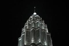 DSC_7465 (KayVee.INC) Tags: tower lights southeastasia petronas landmark malaysia twintowers kualalumpur kl 2009 cavey kayvee 180509 kayveeinc