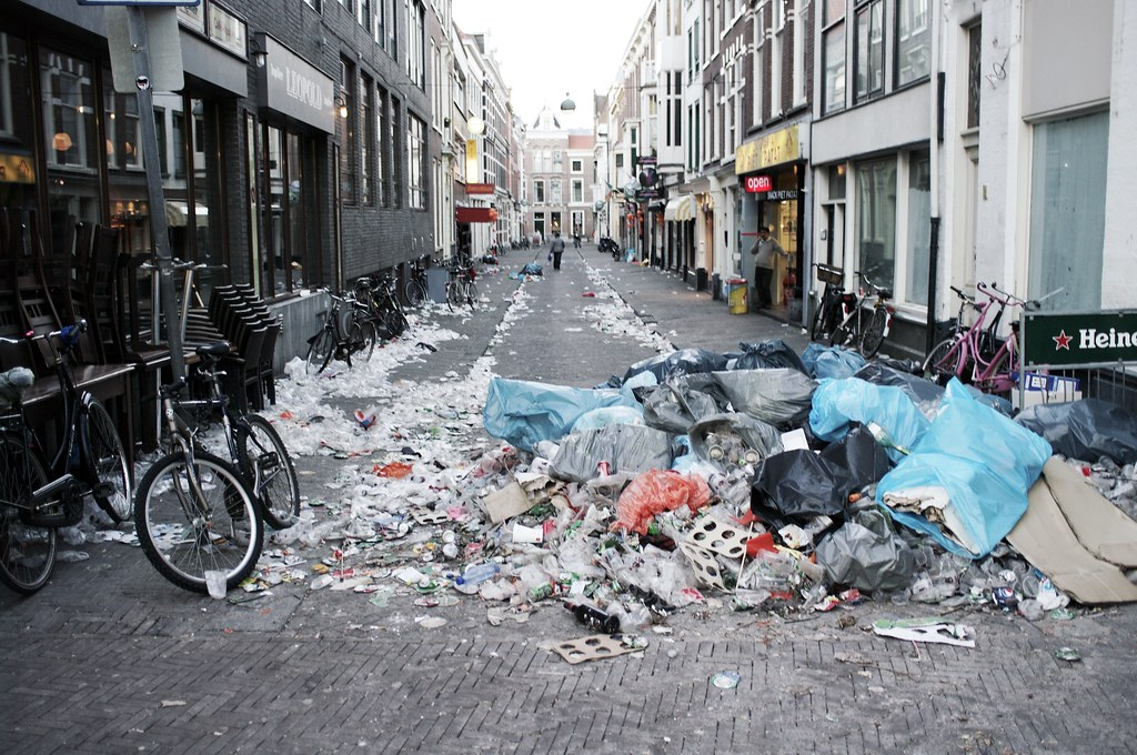 the hague vs trash