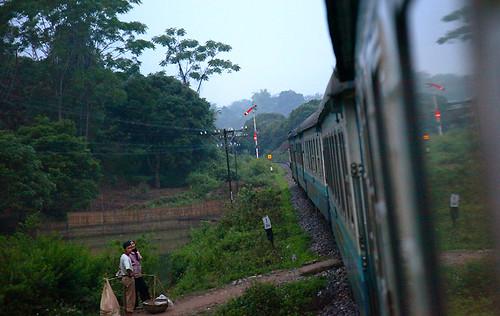 IMG_0286-w Moving Train to Sapa