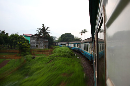 IMG_0315-w Moving Train to Sapa