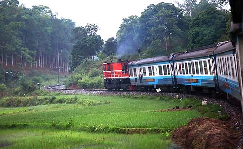 IMG_0294-w Moving Train to Sapa