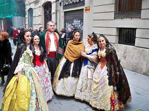 valencia-traditional-dress