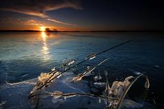 IMG_3898 (Uggla) Tags: winter sunset snow seascape cold reflection 20d ice canon landscape island frost sweden 10 canon20d sigma filter uppsala frozenlake mlaren uggla cokin torkel sigma1020 ndgrad naturalvignetting 121s morgahage torkeluggla