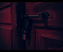 ..~ (![M!sS JojO]!) Tags: door closed lock souq doha qatar waqif