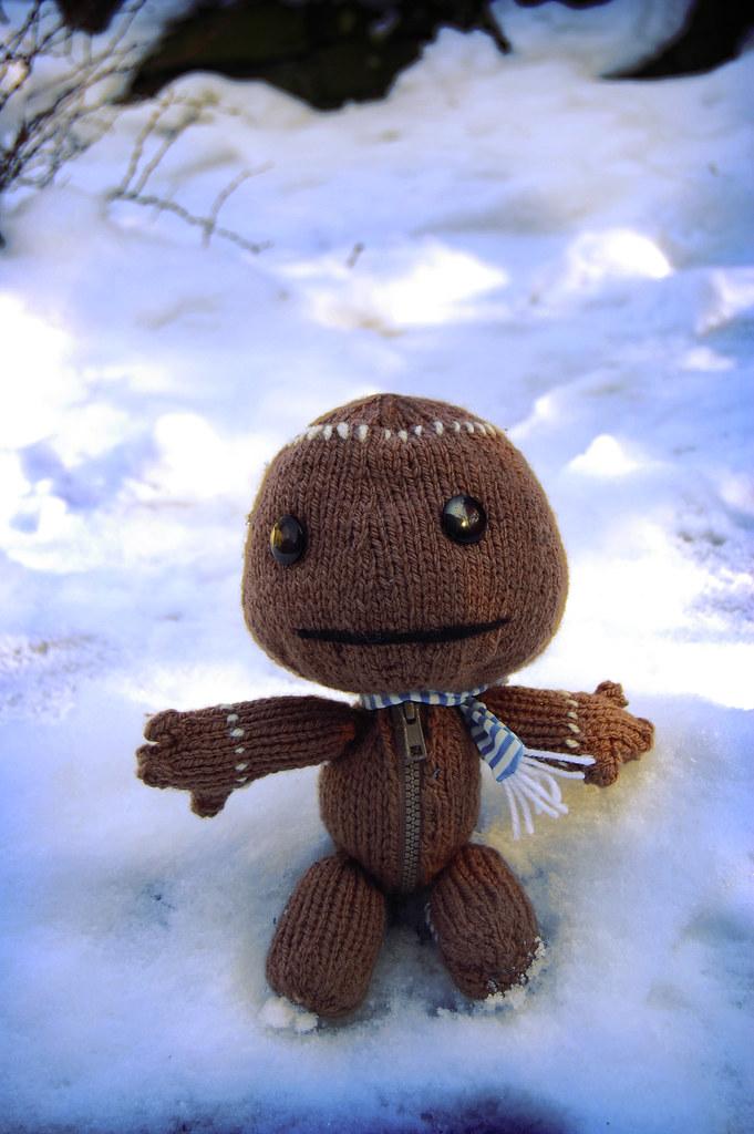 Sackboy in the snow.
