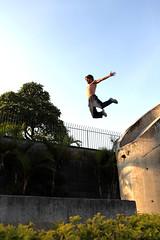 jernimo - le parkour brasil (Ana Luz) Tags: street city cidade people man guy fly jump sopaulo freerunning leparkour salto rua spor pulo esporte parkour analuz sumar