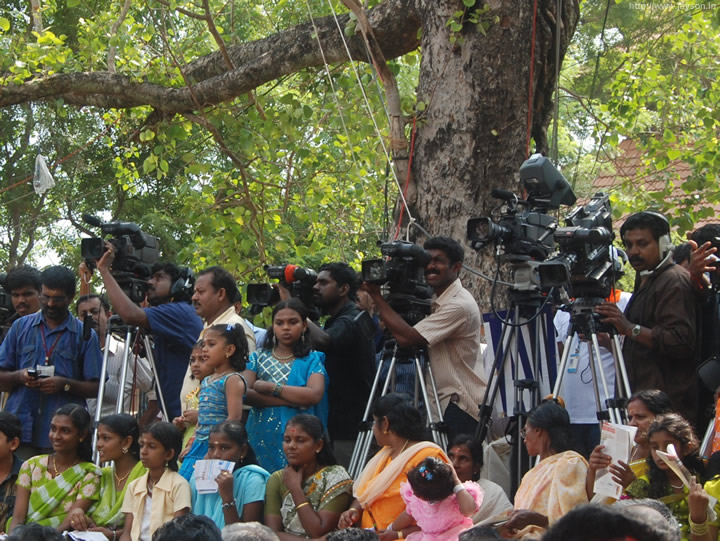 thrissur pooram - TV coverage of Pooram