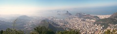 Rio de Janeiro (Cap. LUZ) Tags: trip travel family friends vacation people urban mountain amigos love luz rio familia riodejaneiro photography photo tour brother cristoredentor corcovado cap brazilian cristo turismo morro missa almeida passeio orao soares capela companheiros christredeemer famyli familialuz velhosamigos soaresalmeida mirianrios