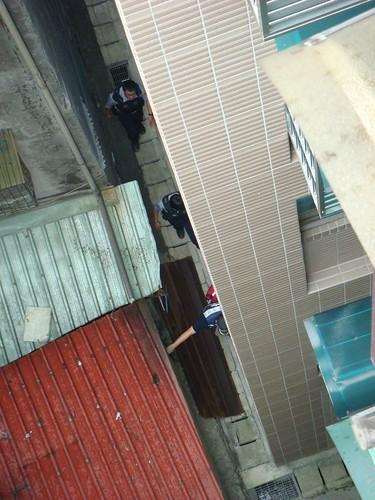 三個警察過來抓笨賊