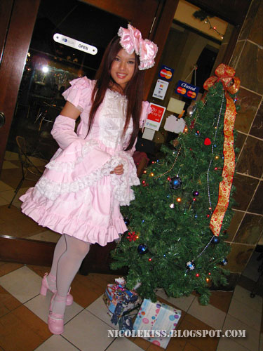 lolita and christmas tree