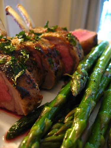 Rack of lamb with asparagus