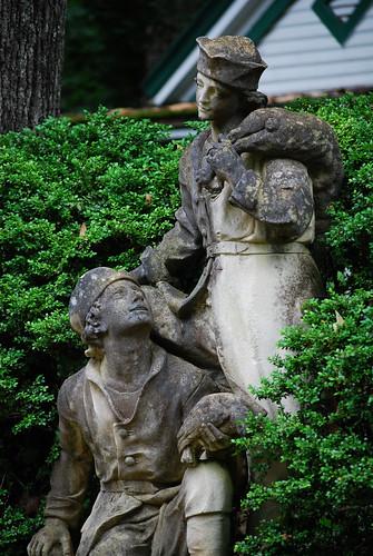 Swan_Men_Statue[2009]