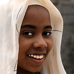 Subsaharienne (Christine Lebrasseur) Tags: africa travel portrait people brown white france art 6x6 canon photo amazing child group oasis morocco anonymous onwhite fint the theface 500x500 allrightsreservedchristinelebrasseur bestportraitsaoi elitechildimages