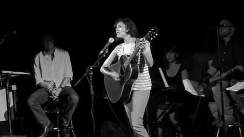 06.13.09a Norah Jones, Radio Happy Hour @ Poisson Rouge (5)-2